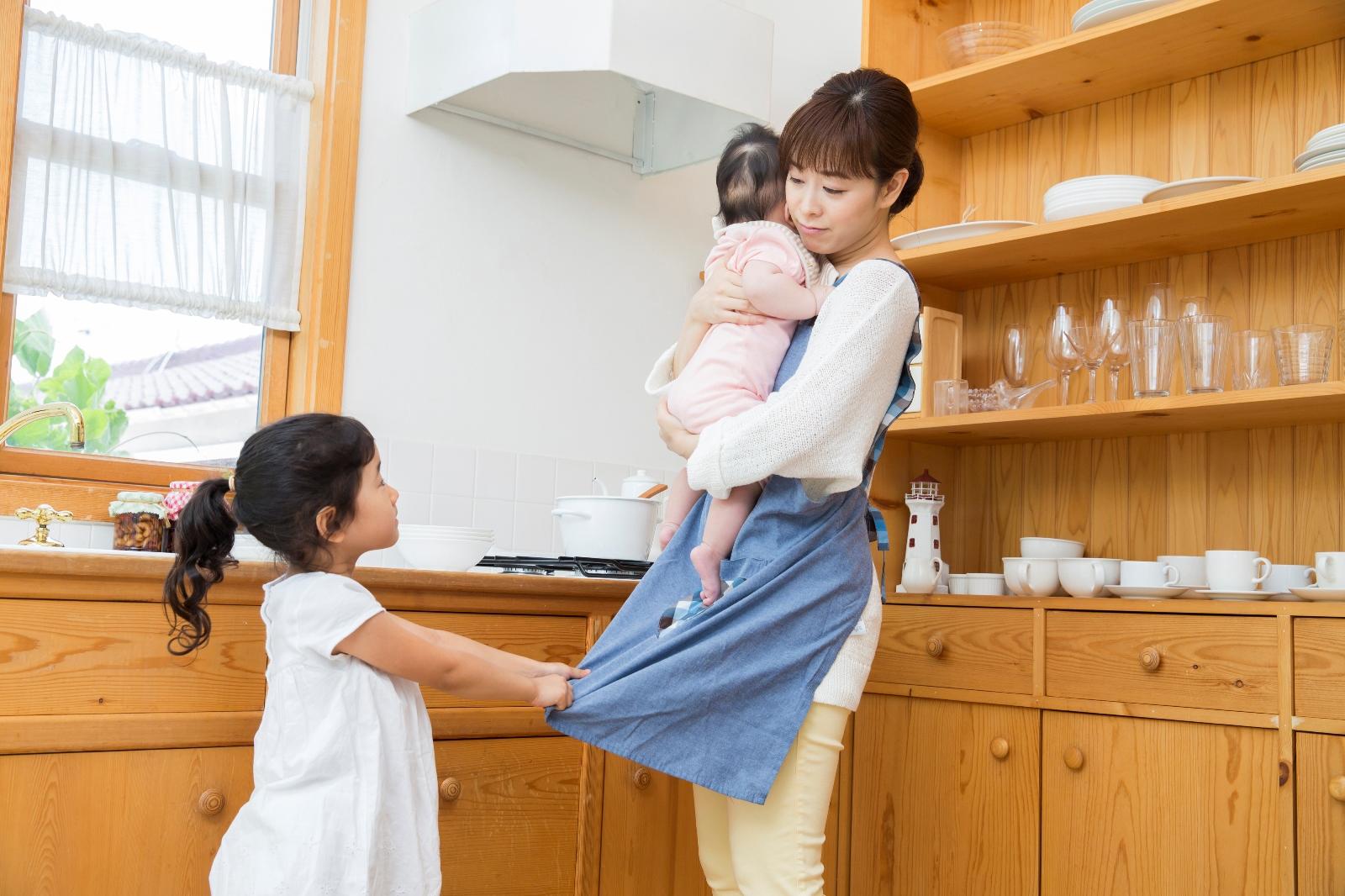 兄弟ができた上の子も、一人っ子も!赤ちゃん返りの対処法 ~子供に甘えて、わがままを解決!?~